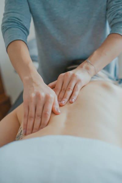 Lichamelijk contact is soms waardevoller dan effectieve therapie